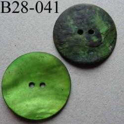 bouton diamètre 28 mm en nacre couleur vert vif mat 2 trous diamètre 28 mm