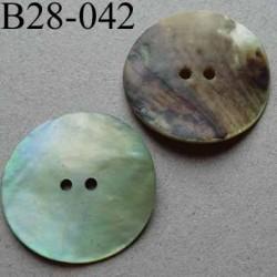 bouton diamètre 28 mm en nacre couleur vert pâle mat 2 trous diamètre 28 mm