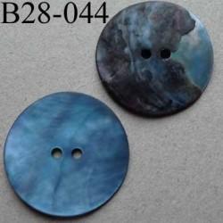 bouton diamètre 28 mm en nacre couleur bleu mat 2 trous diamètre 28 mm