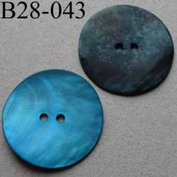 bouton diamètre 28 mm en nacre couleur bleu turquoise mat 2 trous diamètre 28 mm
