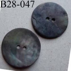 bouton diamètre 28 mm en nacre couleur kaki bronze mat 2 trous diamètre 28 mm