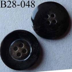 bouton diamètre 28 mm couleur marron foncé légèrement dégradé 4 trous diamètre 28 mm