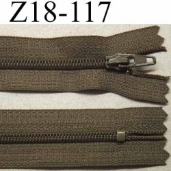 fermeture zip à glissière longueur 18 cm couleur vert kaki  non séparable largeur 2.5 cm glissière nylon largeur du zip 4 mm