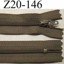 fermeture zip à glissière longueur 20 cm couleur vert kaki non séparable largeur 2.5 cm glissière nylon largeur du zip 4 mm