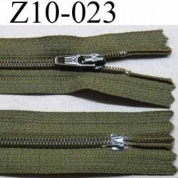 fermeture zip à glissière YKK longueur 10 cm couleur vert kaki non séparable largeur 2.5 cm glissière nylon largeur du zip 4 mm