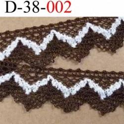 dentelle crochet en coton et décor blanc synthétique largeur 38 mm couleur marron et blanc  prix au mètre