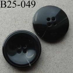 bouton 25 mm haut de gamme couleur noir avec un marque claire 4 trous