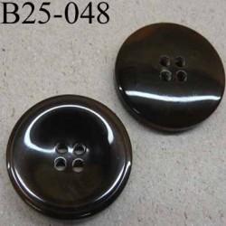 bouton 25 mm haut de gamme couleur marron centre opaque une partie de la bordure translucide 4 trous