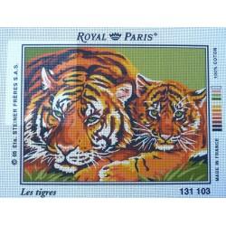 canevas 30X40 marque ROYAL PARIS thème les tigres dimennsion 30 centimètres par 40 centimètres 100 % coton