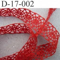 dentelle crochet ancienne 100% coton largeur 17 mm couleur rouge corail provient d'une vieille mercerie parisienne prix au mètre