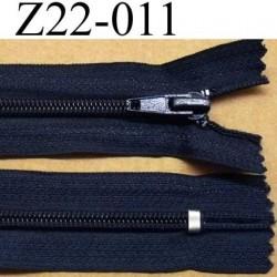 fermeture  éclair  longueur 22 cm couleur bleu non séparable zip nylon largeur 3,2 cm largeur du zip 6 mm
