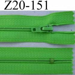fermeture zip à glissière longueur 20 cm couleur vert non séparable zip nylon largeur 2.5 cm largeur du zip 4 mm