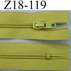 fermeture zip à glissière longueur 18 cm couleur vert non séparable largeur 2.5 cm glissière nylon largeur du zip 4 mm