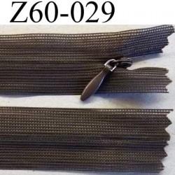 fermeture zip invisible longueur 60 cm couleur marron non séparable largeur 2.4 cm glissière nylon largeur 4 mm