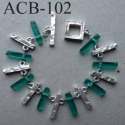 superbe bracelet estampillé Biche de Bere métal argenté et résine verte bijoux collector
