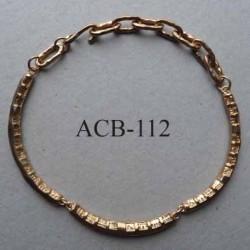 superbe collier jonc rond articulé estampillé Biche de Bere 2éme choix métal doré bosselé décoré bijoux collector