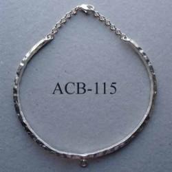 collier jonc carré estampillé Biche de Bere 2éme choix métal argenté avec anneau pour un pendentif bijoux collector