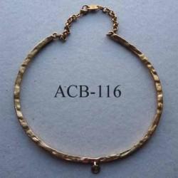 collier jonc carré estampillé Biche de Bere 2éme choix métal doré avec anneau pour un pendentif bijoux collector