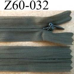 fermeture zip invisible longueur 60 cm couleur vert kaki non séparable largeur 2.5 cm glissière nylon largeur 4 mm