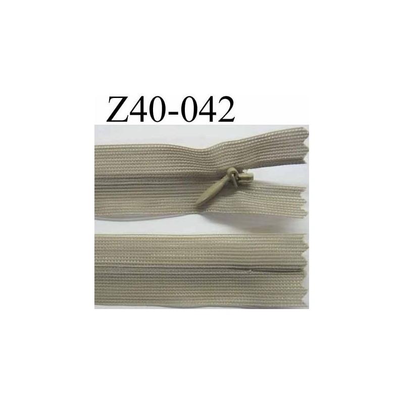 fermeture zip invisible longueur 40 cm couleur vert kaki clair non s parable largeur 2 5 cm. Black Bedroom Furniture Sets. Home Design Ideas