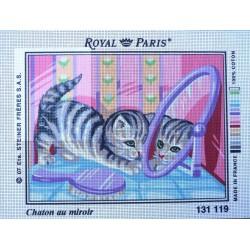 canevas 30X40 marque ROYAL PARIS thème chaton au miroir dimennsion 30 centimètres par 40 centimètres 100 % coton