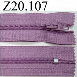 fermeture zip à glissière  longueur 20 cm couleur  mauve lilas non séparable zip nylon largeur 2,5 cm