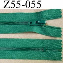 fermeture zip à glissière longueur 55 cm couleur vert emeraude non séparable largeur 2.5 cm glissière nylon largeur 4 mm