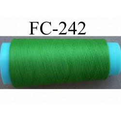 Cone de fil mousse texturé polyester fil n° 120 couleur vert longueur du cone 1000 mètres bobiné en France
