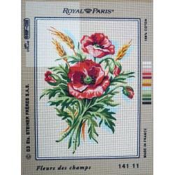 canevas 30X40 marque ROYAL PARIS thème fleurs des champs dimennsion 30 centimètres par 40 centimètres 100 % coton