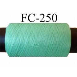 Bobine de fil mousse Polyester texturé fil n° 120 couleur vert  longueur de 500 mètres bobiné en France