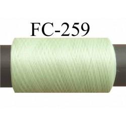 Bobine de fil mousse texturé polyester fil n° 160 couleur vert  longueur 500 mètres bobiné en France