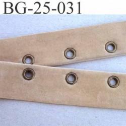 gallon oeillets velour style peau de chamoi  couleur beige largeur 25 mm  oeillets 8.5 mm extérieur espacé tout les 22 mm