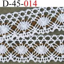 dentelle crochet en coton largeur 45 mm couleur blanc et doré plus que sur la photo provient d'une ancienne mercerie parisienne