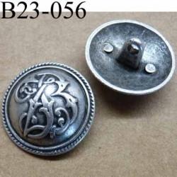 bouton 23 mm en métal style etain  accroche avec un anneau diamètre 23 millimètres