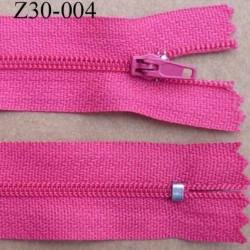 fermeture zip à glissière  longueur 30 cm couleur rose fushia non séparable zip nylon largeur 2,5 cm