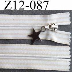 fermeture zip à glissière longueur 12 cm  largeur 3.2 cm couleur blanc et beige non séparable zip nylon  largeur du zip 6 mm