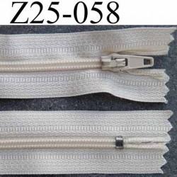 fermeture zip à glissière longueur 25 cm couleur crème écru non séparable largeur 2.5 cm glissière nylon largeur 4 mm
