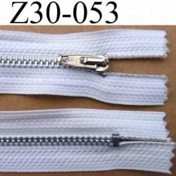 fermeture zip à glissière longueur 30 cm couleur  blanc non séparable  largeur 2.7 cm zip glissière métal largeur du zip 4.5 mm