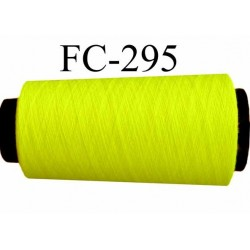 Cone de fil  polyester  fil n°120 couleur jaune fluo longueur du cone 1000 mètres bobiné en France