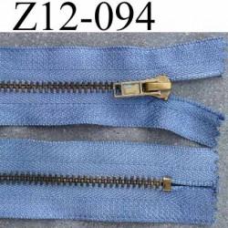 ( 2éme choix déclassé) fermeture zip  longueur 12 cm couleur bleu non séparable  largeur 3 cm largeur du zip métal 5 mm