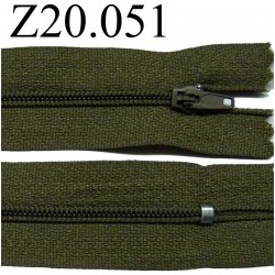 fermeture éclair 20 cm couleur vert  zip nylon non séparable