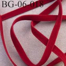 galon biais ruban lacette façon daim cuir double face superbe très doux couleur rouge  largeur 6  mm prix au mètre