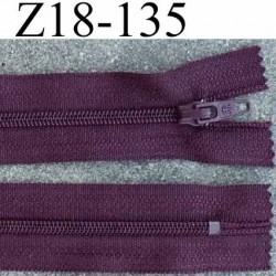 fermeture zip de marque à glissière longueur 18 cm couleur prune non séparable largeur 2.5 cm glissière nylon  zip 4.2 mm