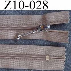 fermeture zip à glissière  longueur 10 cm couleur marron clair beige non séparable largeur 2.5 cm glissière nylon  zip du 4 mm