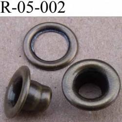 Oeillet  haut de gamme en métal  laiton couleur vieux laiton superbe diamètre intérieur 5 mm extérieur 10 mm hauteur  6.5 mm