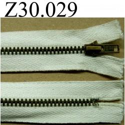 fermeture éclair  30 cm couleur blanc cassé  zip métal non séparable