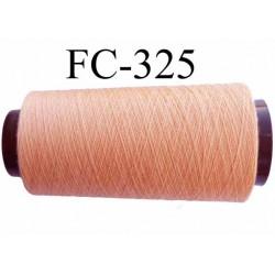Cone (économique ) de fil polyester n° 120 couleur saumon  longueur 2000 mètres  bobiné en France