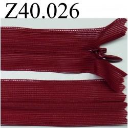 fermeture éclair invisible longueur 40 cm couleur rouge bordeaux non séparable zip nylon largeur 2.5 cm