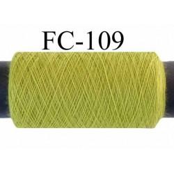 bobine de fil polyester n° 120 couleur vert anis longueur de la bobine 200 mètres bobiné en France