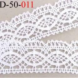 dentelle crochet ancienne 100% coton largeur 48 mm couleur blanc provient d'une vieille mercerie parisienne prix au mètre